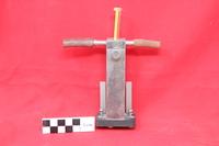 http://omekax.grinnell.edu/PhysicsInstrumentMuseum/files/original/c0220a91b07634d0fa42c1023226c257.JPG image/jpeg thumbnail